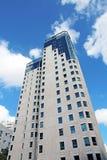 Prédio de apartamentos moderno Fotografia de Stock Royalty Free
