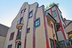 Prédio de apartamentos residencial colorido Fotografia de Stock Royalty Free