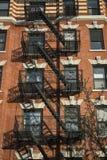 Prédio de apartamentos velho clássico, New York City Fotos de Stock