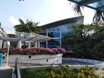 Prédio de escritórios administrativo da universidade tecnologico de Nanyang em Singapura foto de stock royalty free