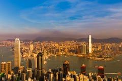 Prédio de escritórios aglomerado residência da cidade de Hong Kong foto de stock royalty free