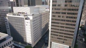 Prédio de escritórios de vidro Los Angeles do centro da elevação alta 4K video estoque