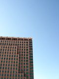 Prédio de escritórios do Highrise Imagens de Stock Royalty Free