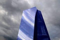 Prédio de escritórios grande do vidro Imagem de Stock