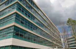 Prédio de escritórios moderno Foto de Stock Royalty Free