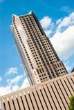 Prédio de escritórios moderno do arranha-céus em St Louis Missouri fotografia de stock