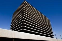 Prédio de escritórios moderno em Los Angeles fotos de stock
