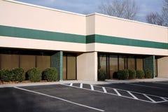 Prédio de escritórios suburbano Fotografia de Stock
