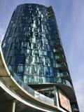 Prédio de escritórios urbano Foto de Stock Royalty Free