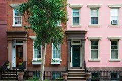Prédios de apartamentos clássicos de New York no Greenwich Village foto de stock