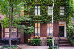 Prédios de apartamentos clássicos de New York no Greenwich Village imagens de stock royalty free