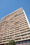 Prédios de apartamentos longos em Monte - Carlo imagem de stock royalty free