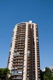 Prédios de apartamentos longos em Monte - Carlo fotografia de stock