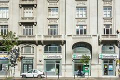 Prédios de apartamentos no bulevar de Magheru Foto de Stock