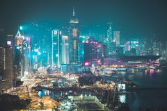 Prédios de escritórios de Hong Kong na noite Foto de Stock Royalty Free