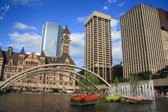 Prédios de escritórios em Toronto da baixa Fotos de Stock Royalty Free