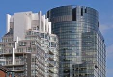 Prédios de escritórios modernos do arranha-céus Fotografia de Stock Royalty Free