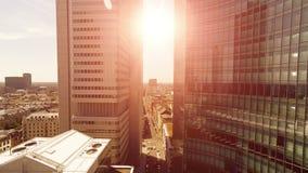 Prédios de escritórios modernos skyline da arquitetura da cidade video estoque