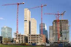 Prédios de escritórios sob a construção Imagem de Stock Royalty Free