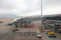 Préparation de l'avion au vol dans l'aéroport du HK Photos stock