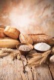 Préparation de pain photographie stock libre de droits
