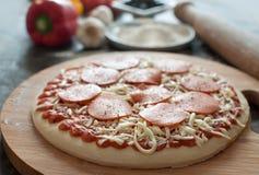 Préparation de pizza Photo stock