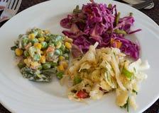 Préparation de salade photographie stock