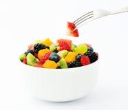Préparation de salade de fruit frais Photos libres de droits