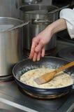 Préparation de sauce Photographie stock libre de droits