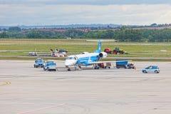 Préparation des avions pour le vol et de l'aéroport de Budapest, Hongrie, Image libre de droits