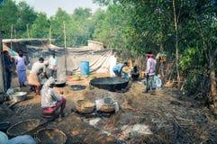 Préparation du repas dans le Bengale-Occidental Photos libres de droits