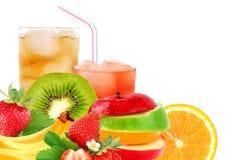 Préparation et cocktail de fruit image libre de droits