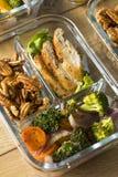 Préparation faite maison de repas de poulet de cétonique image stock