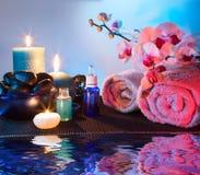 Préparation pour le massage et l'aromatherapy photographie stock libre de droits