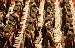Préparation pour recevoir leurs diplômes Image stock