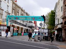 Préparations pour Brighton Festival images stock