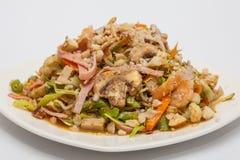 Préparez les légumes et les viandes wok-sautés servis Images stock