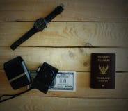 Préparez les passeports, billets de banque, photographie stock libre de droits