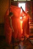 Préparez pour être moine thaïlandais images libres de droits