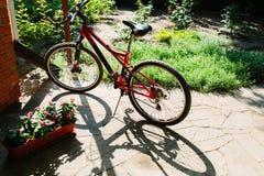 Préparez pour marcher vélo images stock