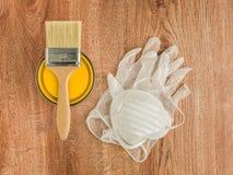 Préparez pour peindre le jaune Photographie stock