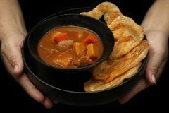 Préparez servi de Roti, nourriture indienne comme farine cuite à la friteuse, avec Japa Images stock
