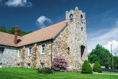 Prés de Dan - église presbytérienne de montagne d'ardoise, prés de Dan, la Virginie Images libres de droits