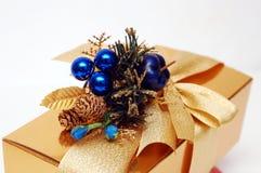 Présent de cadeau d'or Photos stock