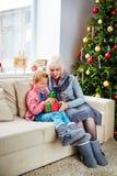 Présent de grand-maman Photographie stock