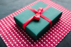 Présent roman d'amour de cadeau de Valentine Images stock