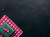 Présent roman d'amour de cadeau de Valentine Images libres de droits