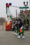 Présentateurs de drapeau du défilé 2017 de jour du ` s de St Patrick Image libre de droits