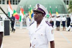 Présentation d'un officier de la marine pendant un cérémonial photographie stock