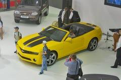 Présentation de modèle de voiture de Chevrolet Camaro Photographie stock libre de droits